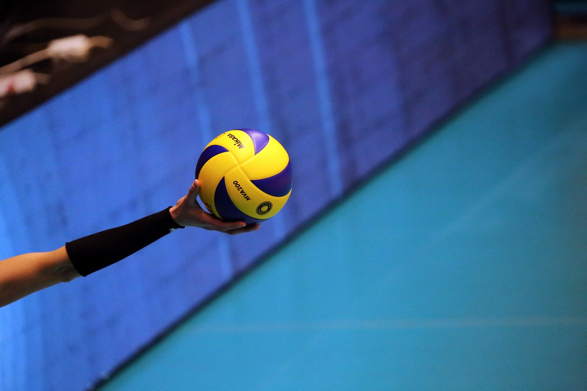 volleyball-15DE44583-B5FF-6BBF-9190-2548C0C414B9.jpg